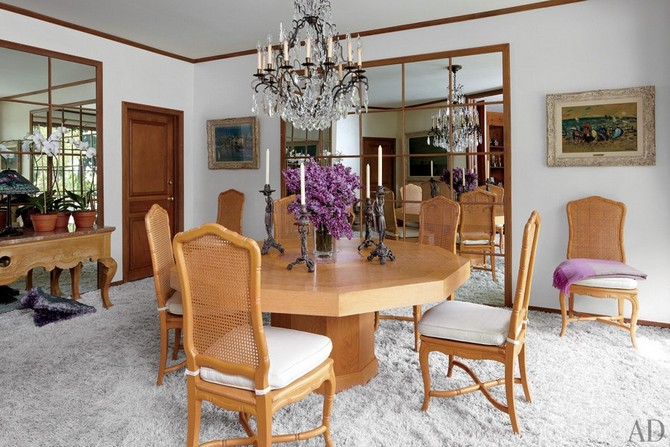 Elizabeth Taylor dining room area designed by Waldo Fernandez Dining room sets Dining room sets – best celebrities dining room ideas Dining room sets     best celebrities dining room ideas 13