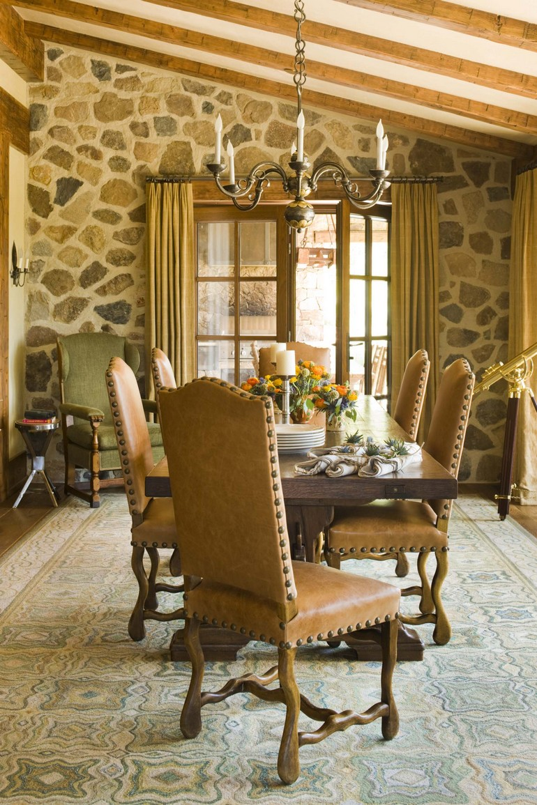 Rustic Redux in Colorado dining room decoration Dining Room Ideas 7 Sophisticated Dining Room Ideas By Cullman Kravis To Inspire You 7 Sophisticated Dining Room Ideas By Cullman Kravis To Inspire You 7