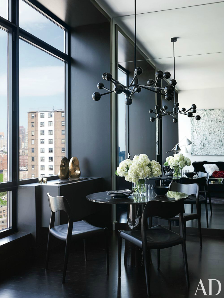 10 Ways A Black Dining Room Table Will Spruce Up Your Space dining room table 10 Ways A Black Dining Room Table Will Spruce Up Your Space 7 Ways A Black Dining Room Table Will Spruce Up Your Space 3