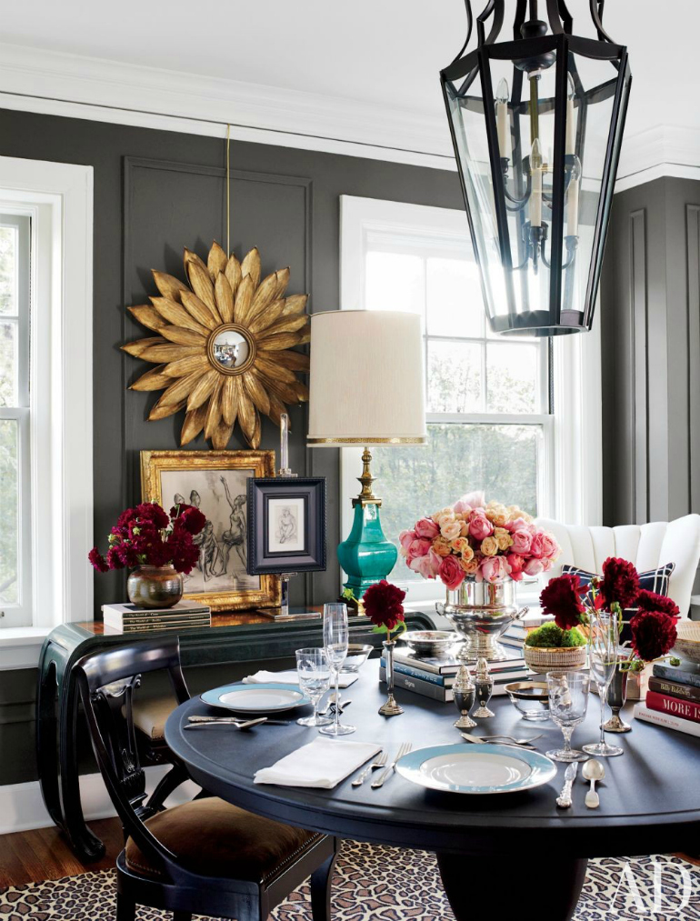 10 Ways A Black Dining Room Table Will Spruce Up Your Space dining room table 10 Ways A Black Dining Room Table Will Spruce Up Your Space 7 Ways A Black Dining Room Table Will Spruce Up Your Space 7