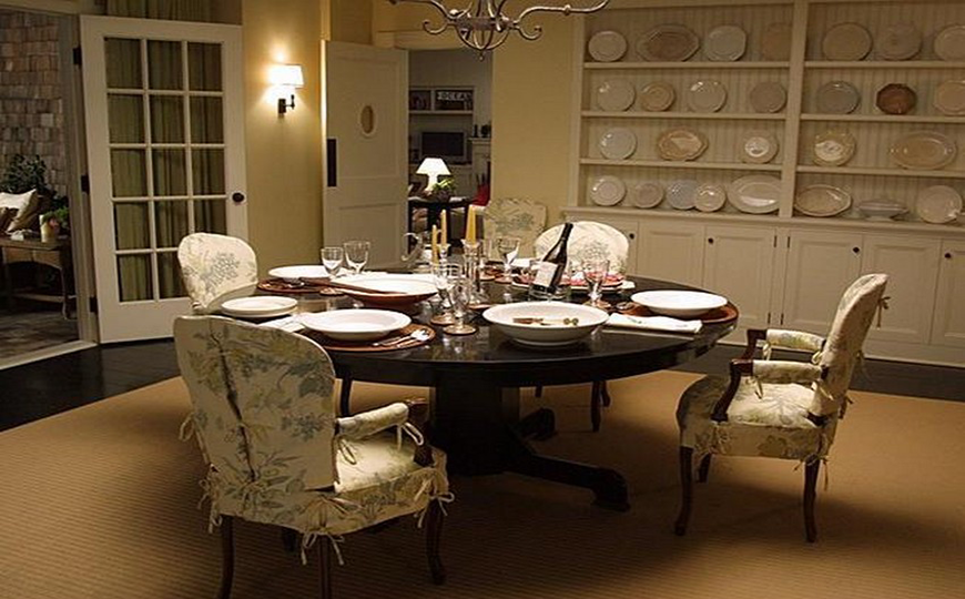 Dining Room Designs Inspired By Cinema Masterpieces dining room designs Dining Room Designs Inspired By Cinema Masterpieces 1Dining Room Designs Inspired By Cinema Masterpieces 1