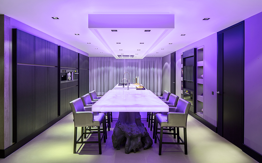 Eye Catching Modern Dining Room Decor In Purple Dining Room Ideas