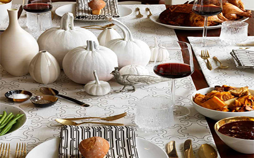 Simple And Amazing Thanksgiving Dining Room Decor Ideas dining room decor Simple And Amazing Thanksgiving Dining Room Decor Ideas Simple And Amazing Thanksgiving Dining Room Decor Ideas