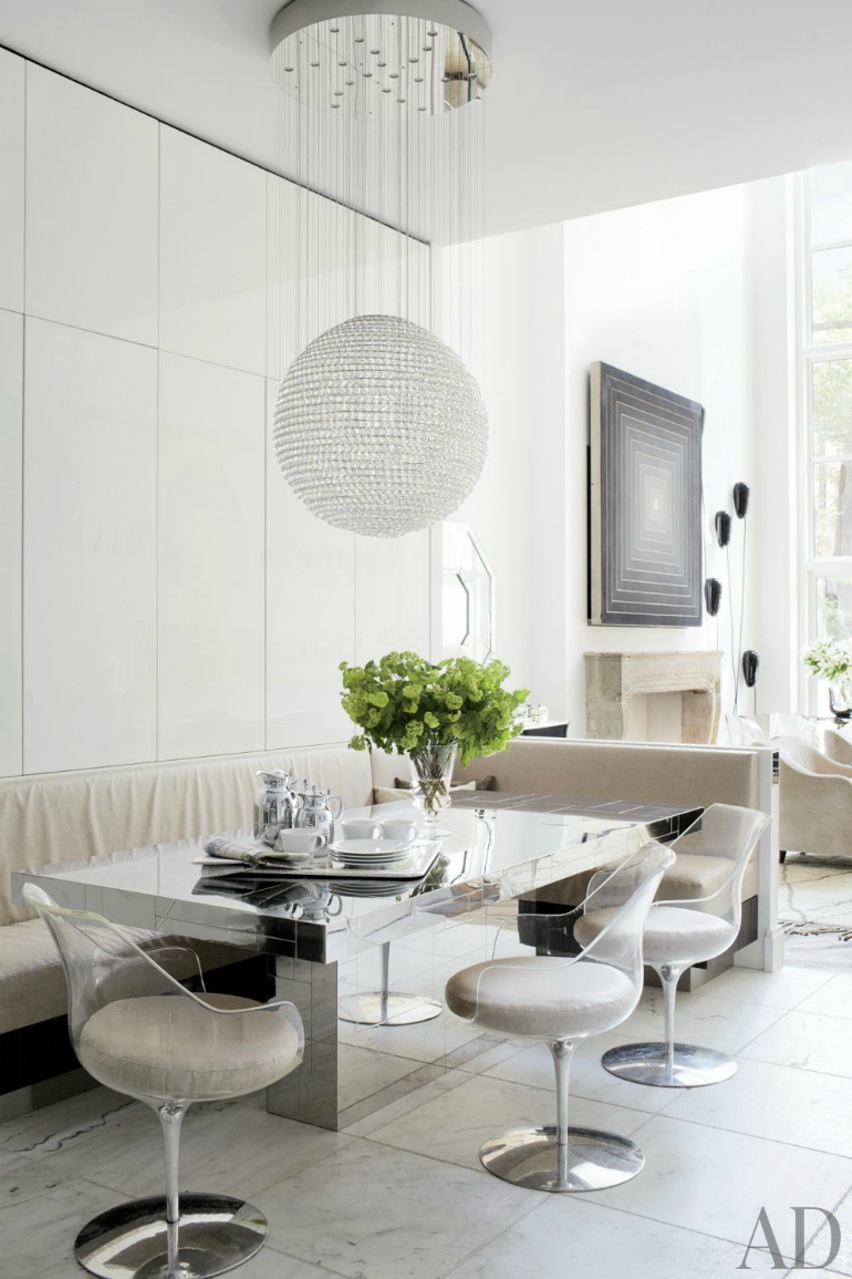 How To Style A Chic Modern Dining Room In A Living Area modern dining room How To Style A Chic Modern Dining Room In A Living Area Unique Statement Dining Room Tables That You Will Covet 8