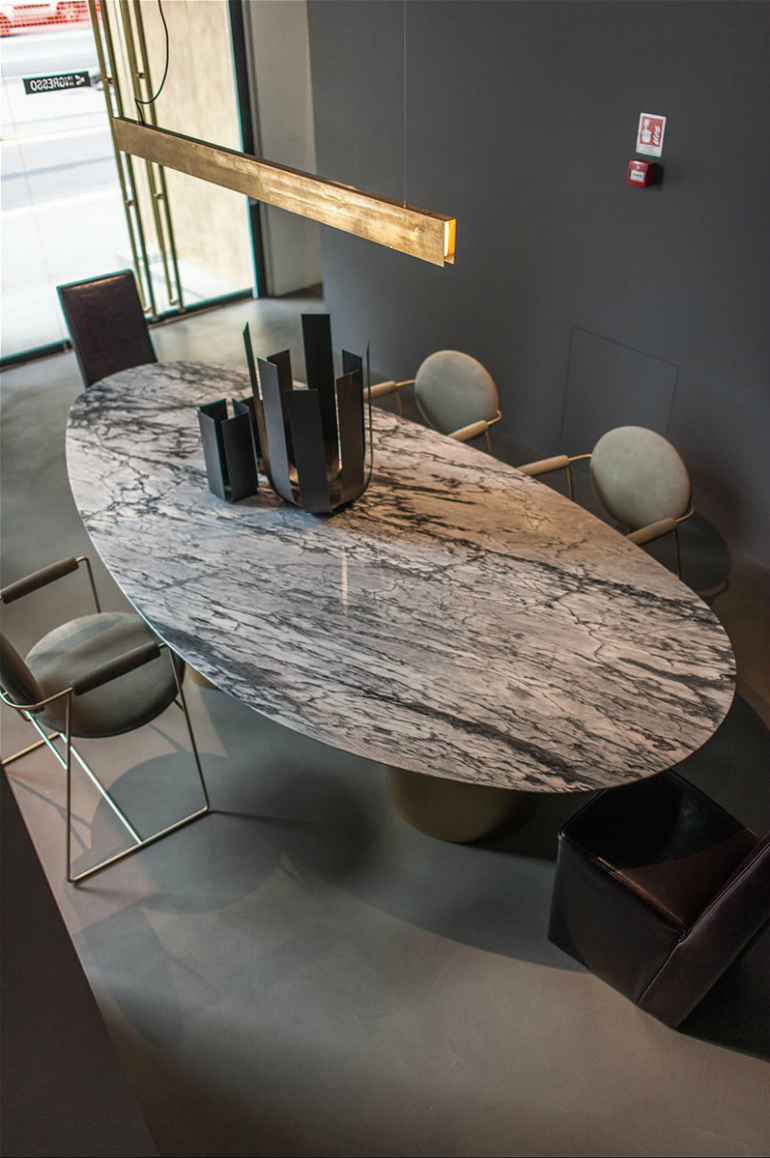 10 Ways A Marble Dining Room Table Can Transform Any Décor 5 dining room table 10 Ways A Marble Dining Room Table Can Transform Any Décor 10 Ways A Marble Dining Room Table Can Transform Any D  cor 5
