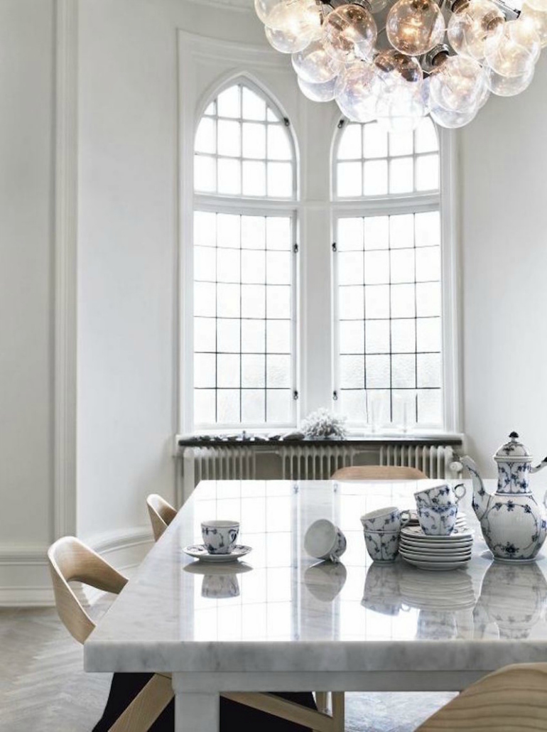 10 Ways A Marble Dining Room Table Can Transform Any Décor 9 dining room table 10 Ways A Marble Dining Room Table Can Transform Any Décor 10 Ways A Marble Dining Room Table Can Transform Any D  cor 9