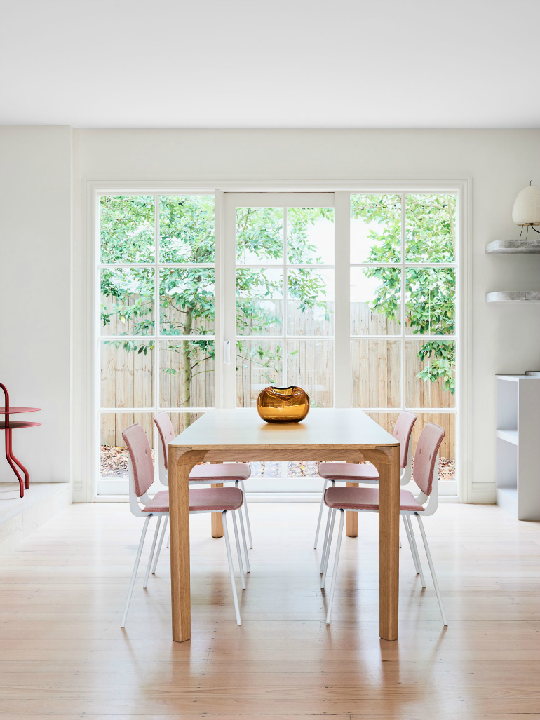 Millennial Pink Dining Room Chairs That Steal The Show dining room chairs Millennial Pink Dining Room Chairs That Steal The Show 7 Incredible Must Have Dining Room Chairs For The Summer 4