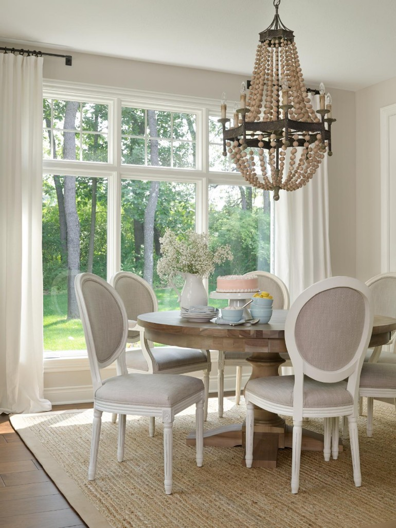 7 Must-Have Soft colour Chairs That Prove That Neutral Is The Way To Go dining room chairs 7 Must-Have Dining Room Chairs That Prove Neutral Is The Way To Go 7 Must Have Dining Room Chairs That Prove That Neutral Is The Way To Go 3