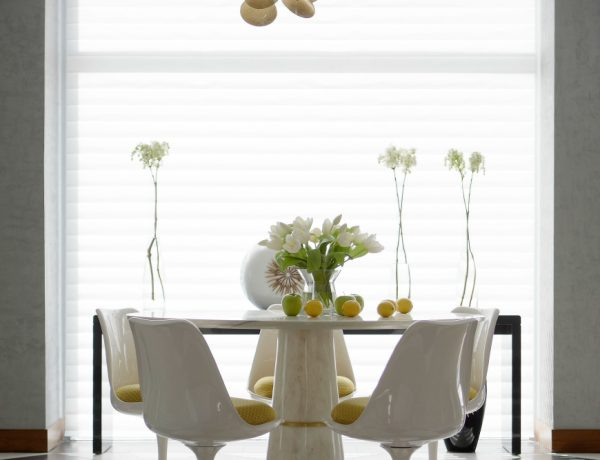 8 Wonderful Reasons To Add Flowers To Your Dining Room Decor