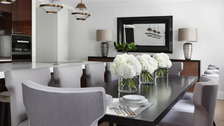 How To Create A Luxury Dining Room Decor Like Oliver Burns luxury dining room How To Create A Luxury Dining Room Decor Like Oliver Burns 6 e1499955049796