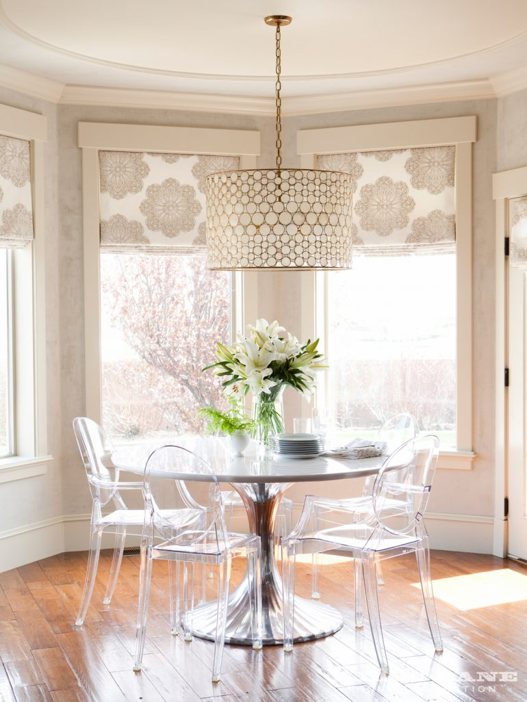7 Acrylic Dining Room Tables That You Will Covet acrylic dining room tables 7 Acrylic Dining Room Tables That You Will Covet 7 Acrylic Dining Room Tables That You Will Covet 7 e1499073655972