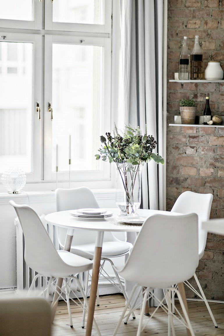 9 Beautiful Modern Dining Room Chairs That Steal The Show modern dining room chairs 9 Beautiful Modern Dining Room Chairs That Steal The Show f0bab6d757a4d9bc9e30af1263c035c7