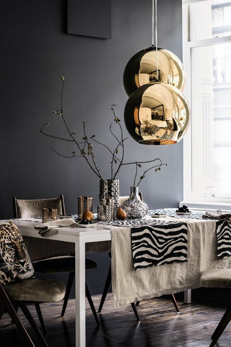 7 Dark & Moody Dining Room Design Ideas Worth Copying dining room design 7 Dark & Moody Dining Room Design Ideas Worth Copying 3