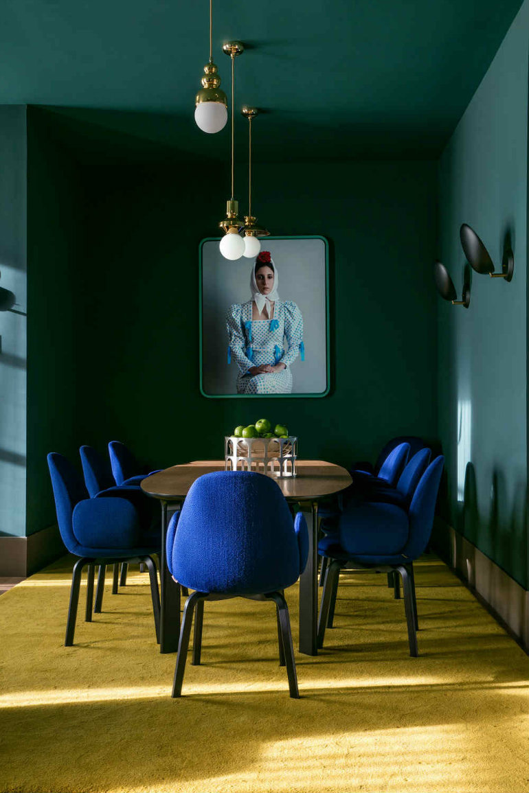dining room design 7 Dark & Moody Dining Room Design Ideas Worth Copying 6 2