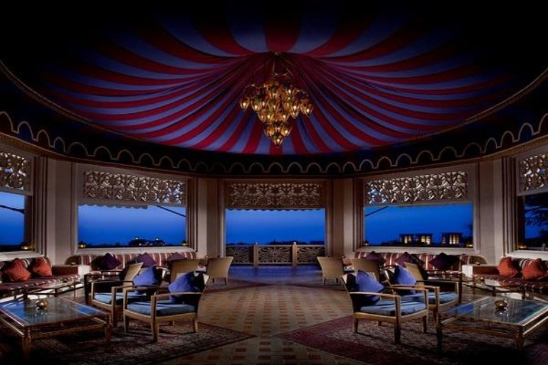 Luxury Bars in Dubai to Inspire Your Home Bar luxury design bars Luxury Design Bars in Dubai to Inspire Your Home Bar Luxury Design Bars in Dubai to Inspire Your Home Bar5