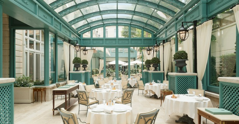 The Best Luxury Hotels Dining Room in Paris hotels dining room The Best Luxury Hotels Dining Room in Paris The best luxury hotels dining room in Paris8