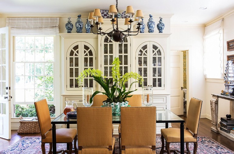 5 of The Best Interior Designers And Their Projects interior designers 5 of The Best Interior Designers And Their Projects los angeles timothy corrigan DINING ROOM 1