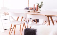 Capa  5 Chic Ways to Decorate Your Dining Room Table Dining close up e1431896708272 240x150