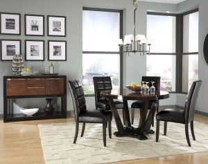 dining room Dark Dining Rooms: The Right Choice light walls dark furntiure 300x236